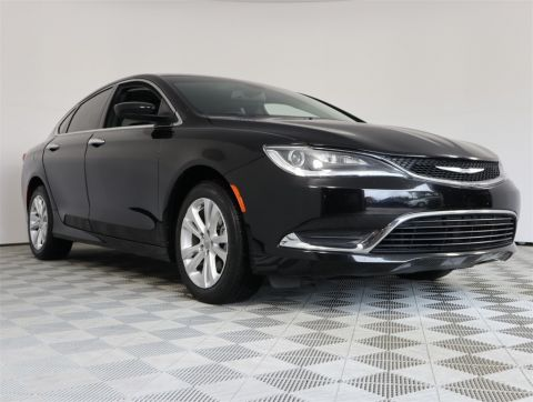 Certified Pre-Owned 2017 Chrysler 200 Limited FWD 4D Sedan