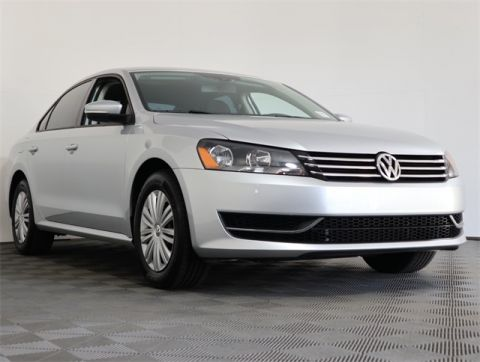 Certified Pre-Owned 2015 Volkswagen Passat 1.8T S FWD 4D Sedan