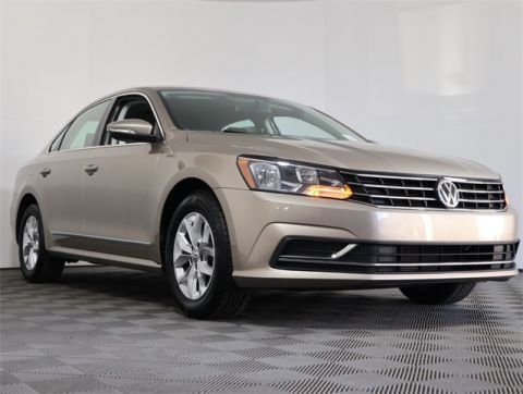 Certified Pre-Owned 2016 Volkswagen Passat 1.8T S FWD 4D Sedan