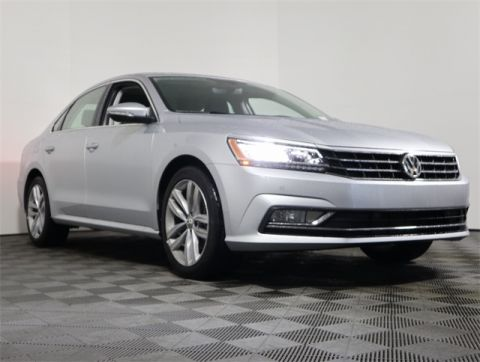 Certified Pre-Owned 2018 Volkswagen Passat 2.0T SE FWD 4D Sedan