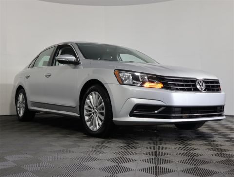 Certified Pre-Owned 2016 Volkswagen Passat 1.8T SE FWD 4D Sedan