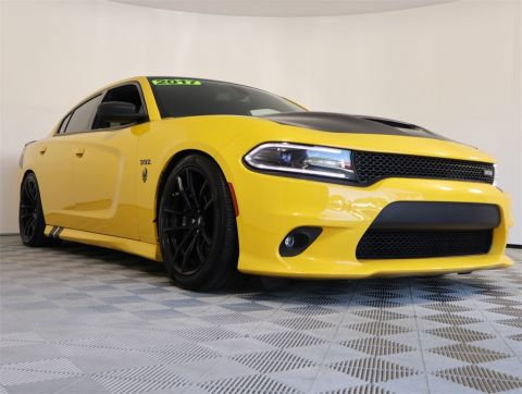 Certified Pre-Owned 2017 Dodge Charger R/T 392 RWD 4D Sedan